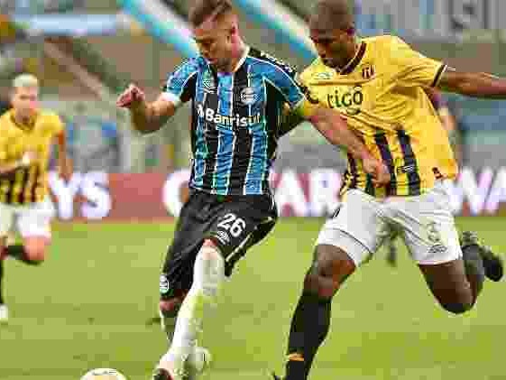 Copa Libertadores | Grêmio bate Guaraní-PAR por 2 a 0 em casa e encara Santos nas quartas de final