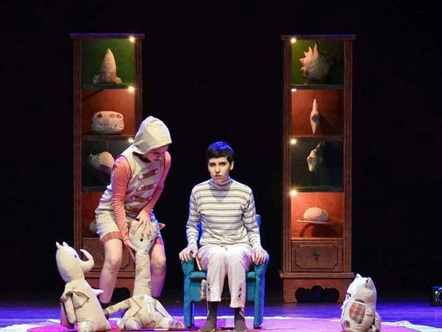 Espetáculo Mundolino retrata descoberta de sentimentos da criança durante o processo de crescimento