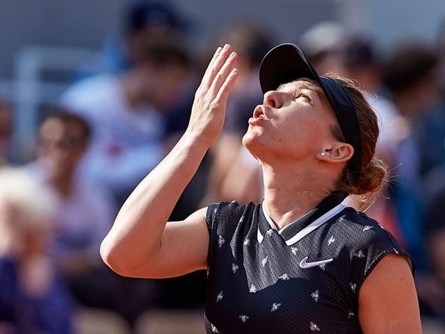 Halep, Kerber e Bertens vencem na estreia do WTA de Eastbourne