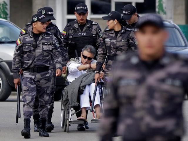 Senador colombiano diz que ex-chefe das Farc tentou se suicidar na prisão