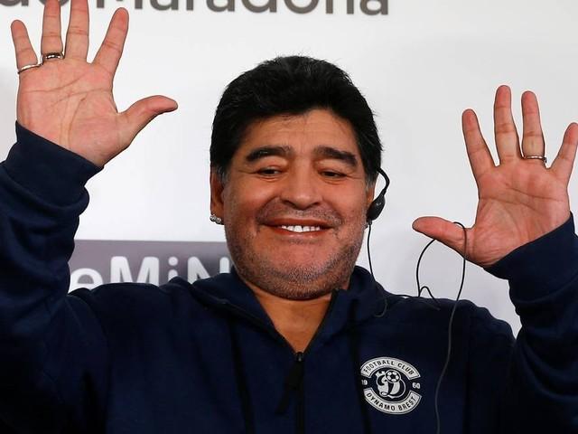 Maradona é apresentado em clube da Bielorrúsia que vai presidir
