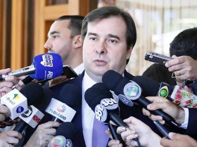 Maia sai de encontro com governadores sem acordo para incluir estados na reforma da Previdência
