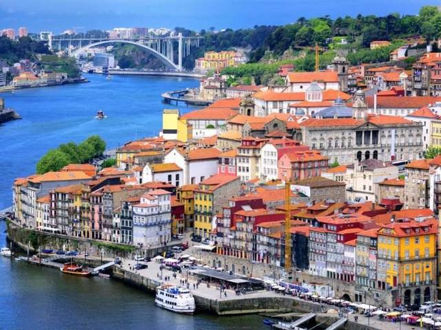 """Guias turísticos """"piratas"""": a nova realidade do turismo no Porto"""