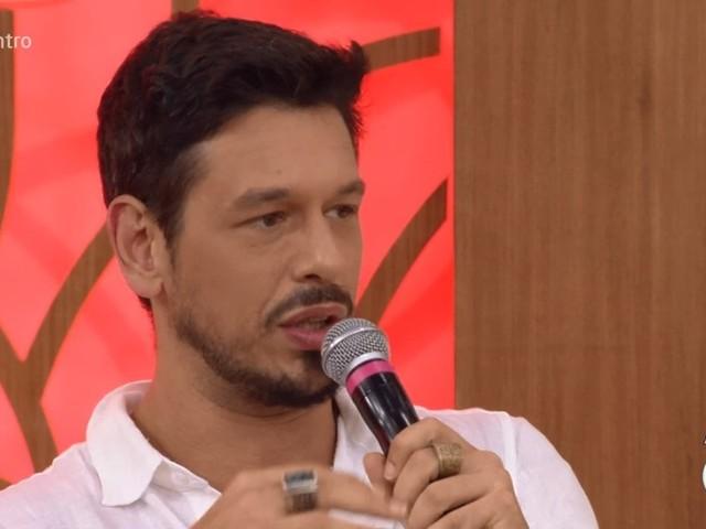 João Vicente de Castro faz revelações picantes sobre primeira vez com prima e choca