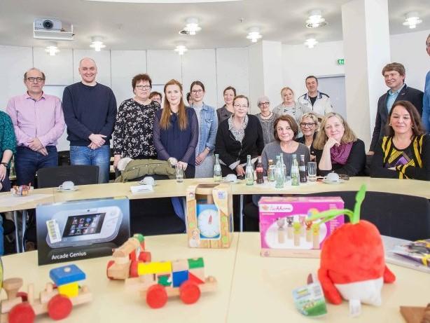 """Jugendhilfe: Verein """"Oberhausen hilft"""" spendet für Kinder und Familien"""
