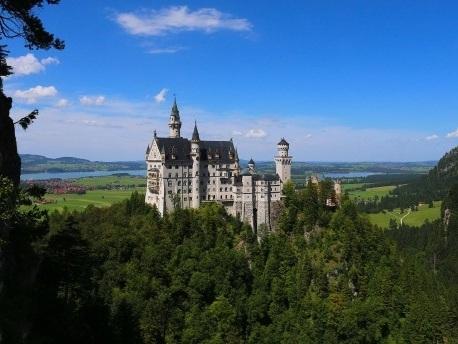 Baudenkmäler: Viele Deutsche würden gern im Schloss leben