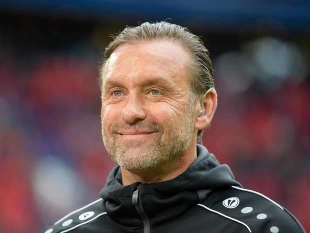 Playoff gegen Amsterdam: Doll darf weiter von Champions-League-Einzug träumen