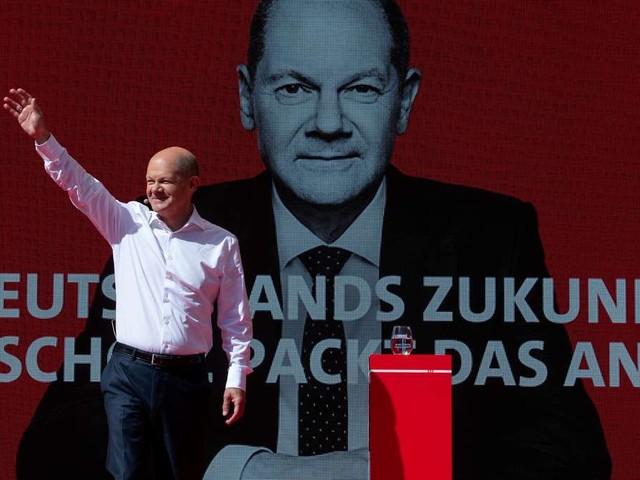 Letzte Umfragen: Scholz vorne - aber Laschet macht es plötzlich noch einmal spannend