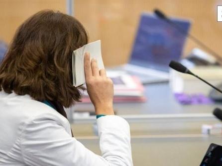 Totes Neugeborenes - Mutter wegen Mordes vor Gericht