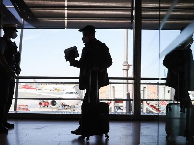 Kanzleramtschef offen für verschärfte Testpflicht für Reiserückkehrer