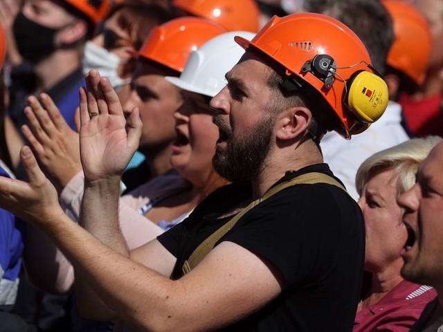 """Belarus - Proteste in Staatsbetrieben:""""Sie kamen mit Schlagstöcken"""""""