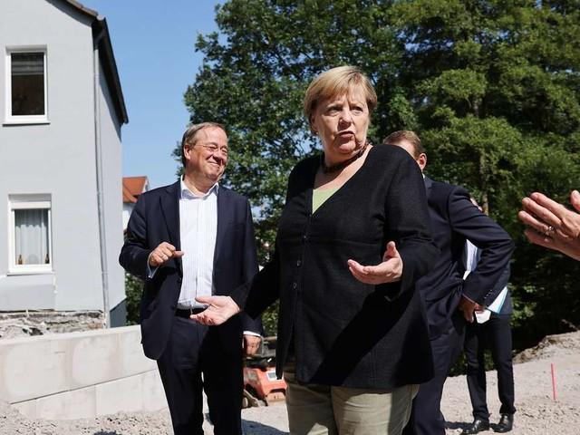 Bundestagswahl: Laschet zieht im Wahlkampf den Merkel-Trumpf