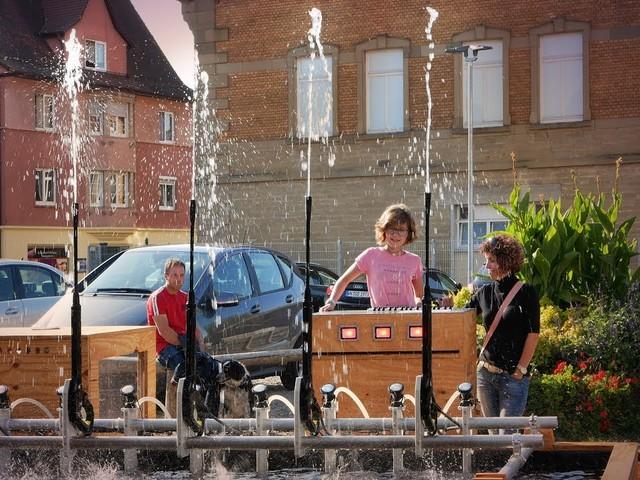 Hochdruckreiniger betriebene öffentliche Wasserorgel