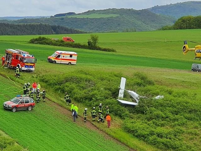 Rheinland-Pfalz: Absturz von Kleinflugzeug – zwei Schwerverletzte