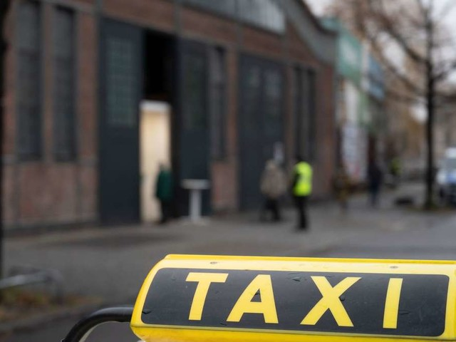 30-Sekunden-Heimweg: Schülerin fährt jeden Tag 200 Meter mit dem Taxi