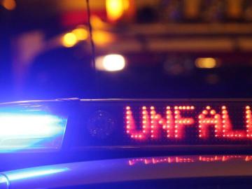 Polizeibericht: Busunfall beim Abbiegen: Fahrgäste unverletzt