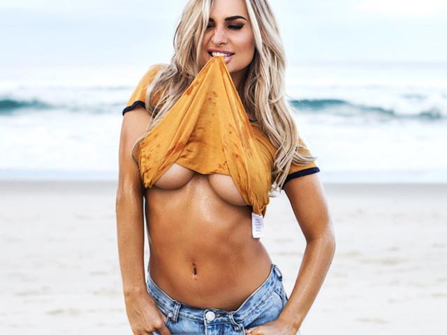 """""""Rose at the Beach"""" – Mit Model Rosanna Arkle an der australischen Gold Coast"""