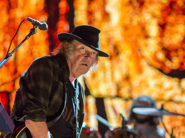 "Neil Young: Neuer Song ""Rainbow of Colors"" aus ""Colorado"" im Stream"