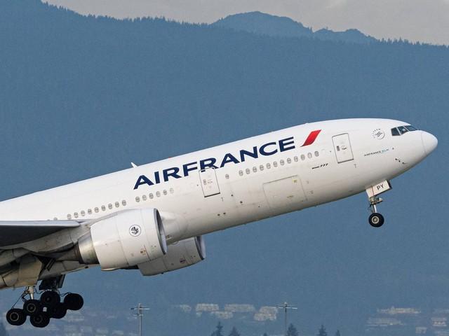 Auf dem Weg von Peking nach Paris: Flugzeug von Air France: Explosion erschüttert Boeing 777 kurz nach dem Start