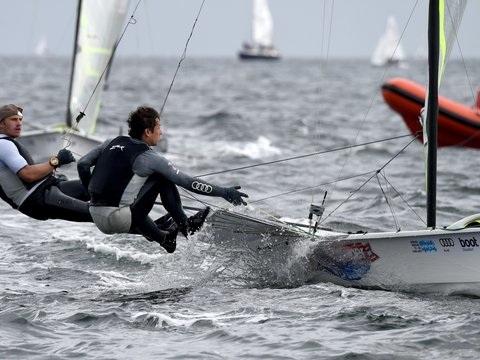 Zwei deutsche Segel-Teams bei WM auf Medaillenkurs
