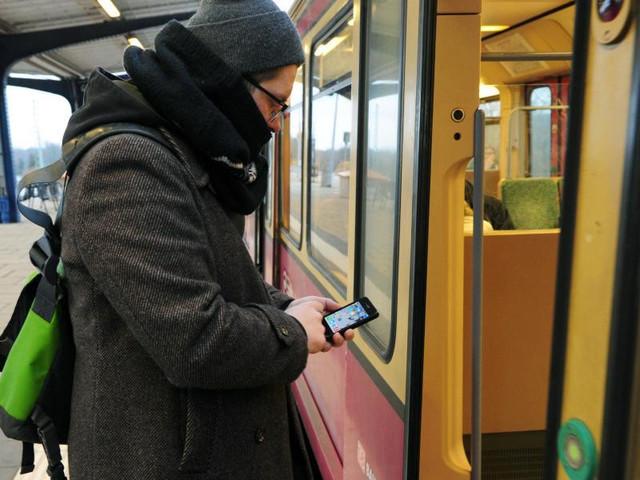 Mobilfunk-Tarife im Vergleich: Prepaid schlägt Laufzeitvertrag | heise online