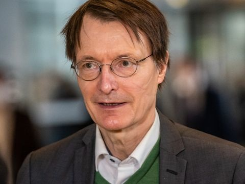 """Corona-Pandemie - Lauterbach räumt ein: """"Hendrik Streeck hatte voll recht"""""""