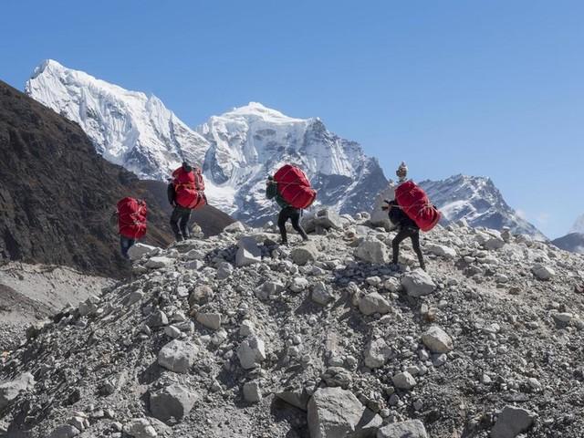 Mount Everest: Die sonderbare Suche nach Rekorden am Dach der Welt