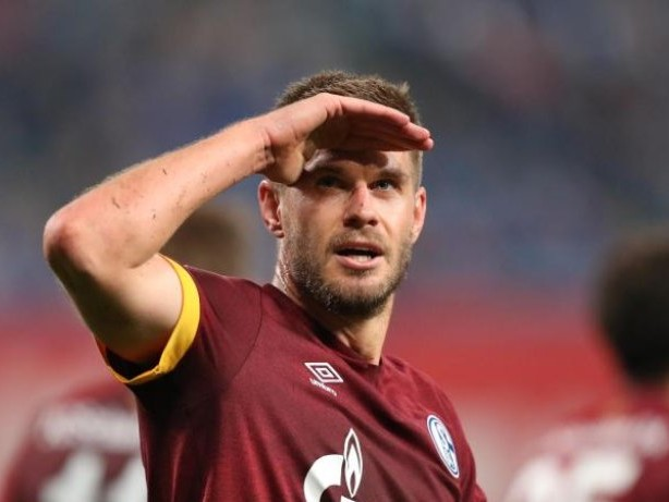 2. Liga: Terodde macht den Unterschied: Schalke siegt in Rostock