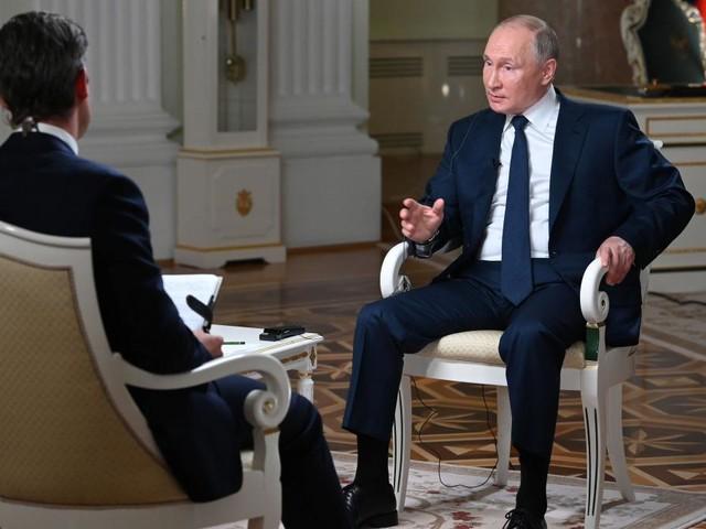 Putin über Cyberattacken, Nawalny und das bevorstehende Treffen mit Biden