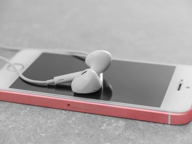 Warum passen die iPhone-Kopfhörer nicht mehr in die Buchse?