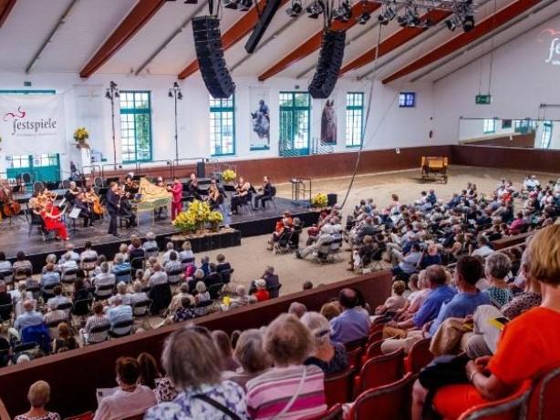 Musik: Wieder Festspiel-Konzerte im Landgestüt Redefin