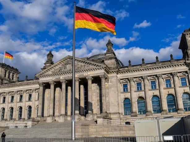 """Bundestagswahl: Politikwissenschaftler spricht von """"Wahldebakel"""" für Union"""