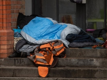 Zahl der Menschen ohne Wohnung auf 678.000 gestiegen