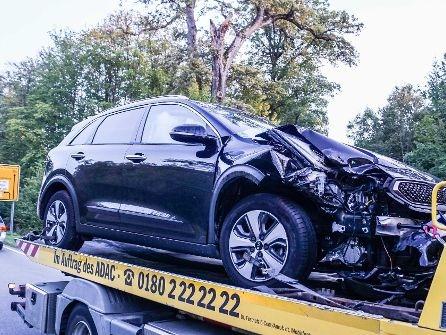 Weil im Schönbuch im Kreis Böblingen: 36-jähriger Autofahrer bei Unfall verletzt