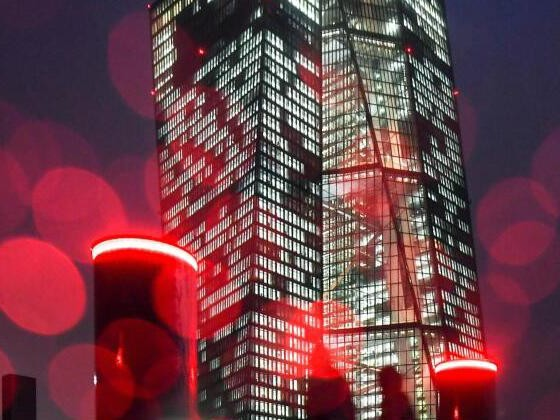 EZB bleibt Billig-Geld-Kurs vorerst treu