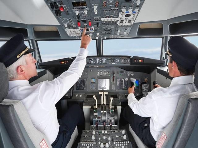 Autopilot vs. Mensch: Landet ein Pilot sein Flugzeug eigentlich noch selbst?