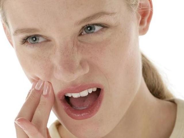 Zahnschmerzen - Welche Hausmittel den Schmerz lindern
