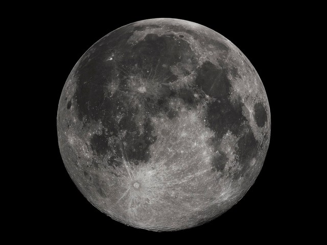 Russia and America Want to Build a Joint Space Station Near the Moon