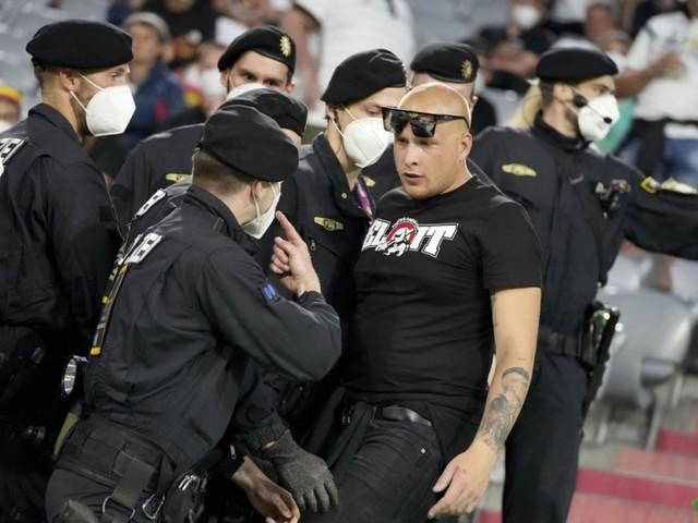 Coronavirus in Deutschland: Gesundheitsminister sieht Fortschritte bei Masken im Münchner EM-Stadion