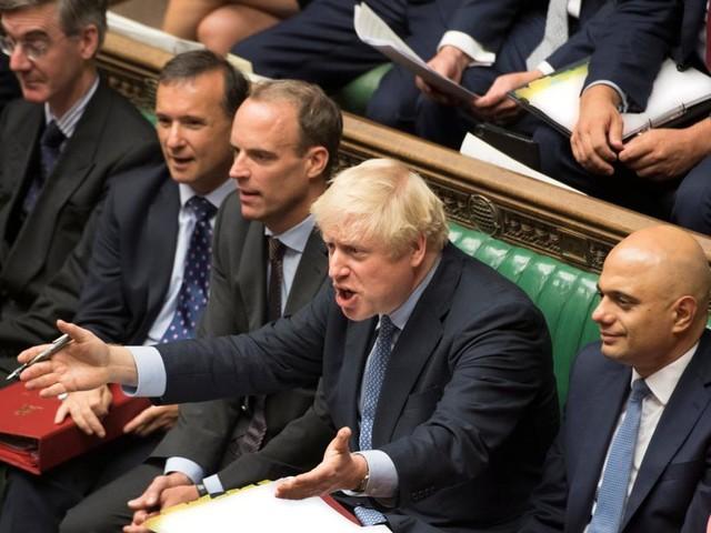Britisches Parlament stimmt für Brexit-Verschiebung