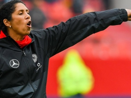 "Frauenfußball: Steffi Jones erwartet ""Körpersprache und Torhunger"""