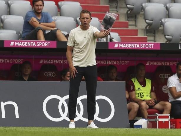 Bayern München: Trainer Julian Nagelsmann von Bayern-Fans beschimpft