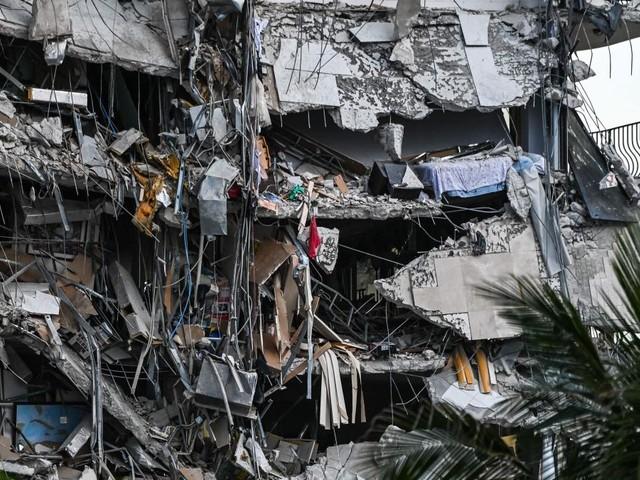 Zwölfstöckige Luxus-Wohnanlage in Miami eingestürzt – viele Opfer befürchtet