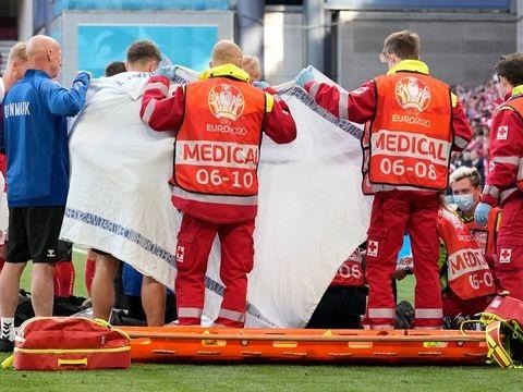 Herzstillstand des Dänen - Notarzt: Eriksen nach Elektroschock wieder bei Bewusstsein
