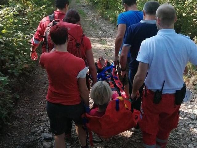 Bergrettung musste gestürzte Mountainbikerin bergen