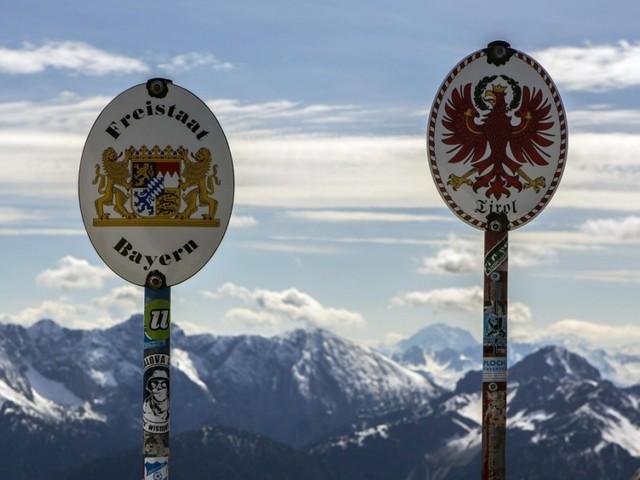 """Nachbarschafts-Interview: """"Wir können doch keine besseren Bayern sein! Wir sind Tiroler!"""""""