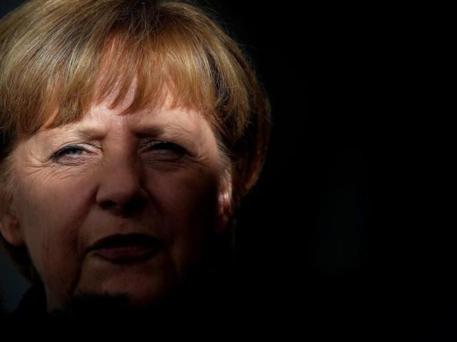Merkels Schatten: Auf den Spuren von Steve Jobs und Sean Connery