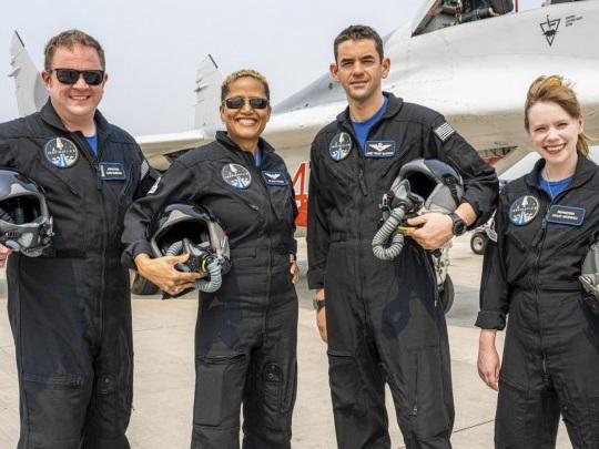 Raumfahrt - Weltraumtouristen wieder zurück auf der Erde