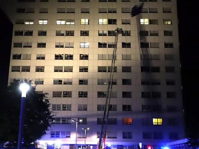 Patient stirbt bei Feuer in Krankenhaus - er hat vermutlich im Bett geraucht