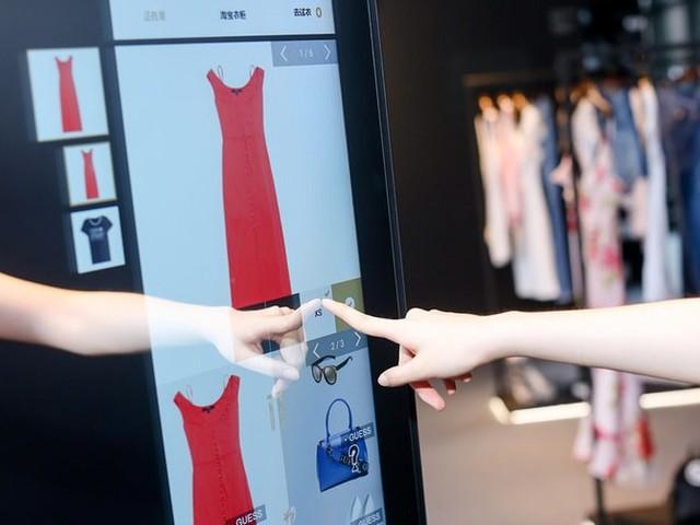 PwC-Umfrage: Mode wird inzwischen lieber online als stationär gekauft